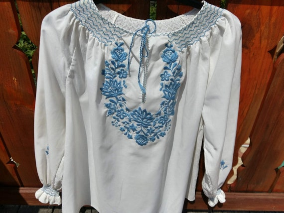Vintage large Hungarian White Blue Blouse Floral h