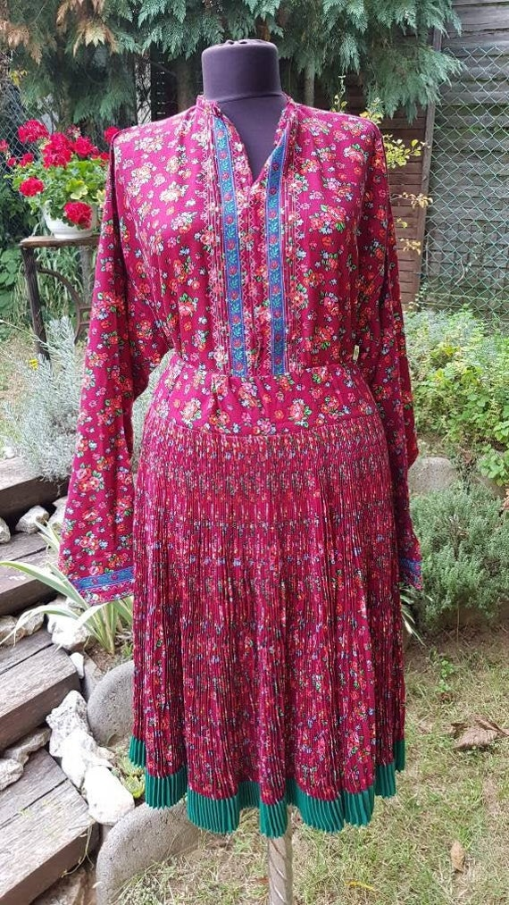 Vintage  folk  dress skirt and blouse , Humgarian