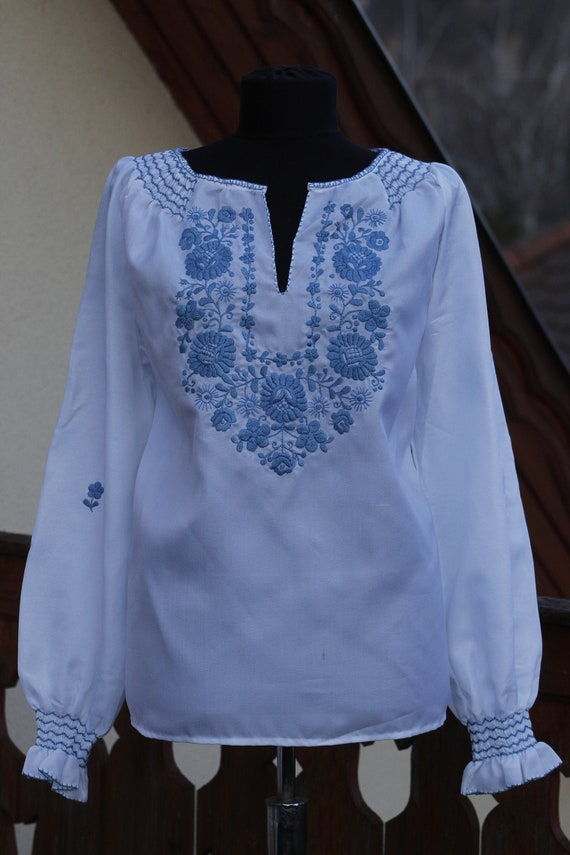 Vintage Hungarian White and blue Blouse Floral han