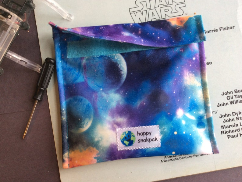 Eco-Friendly Three Sizes Reuseable Snack Bag Kid Friendly Single Layer Blue Galaxy Pattern Easy Care