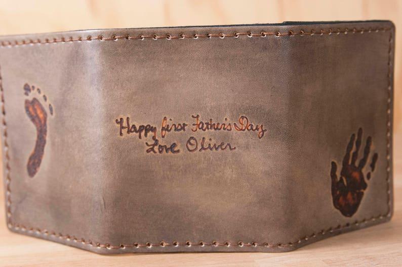 c40f8ddecc Portefeuille en cuir pour homme sur mesure - personnalisé portefeuille en  trois volets avec l'empreinte réelle et Inscription - noir Antique - ...