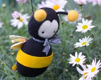 PDF Pattern - 'Purl' - Felt Bumble Bee Softie - Instant Digital Download - Plush Children's Toy