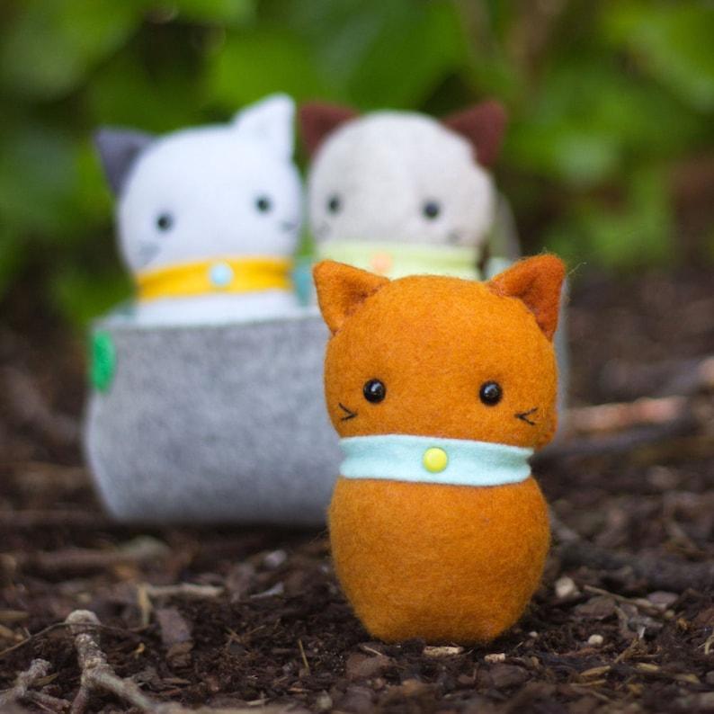 PDF Pattern  'Three Little Kittens'  Felt Kittens image 0