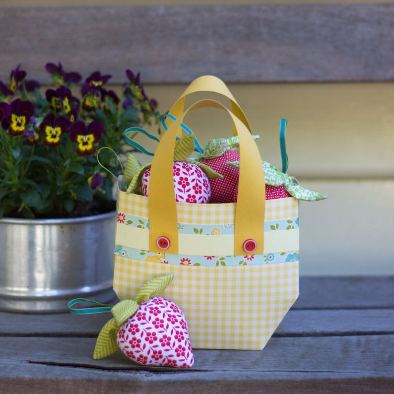 PDF Pattern  'Bilberry Jam'   Paper Basket with image 1
