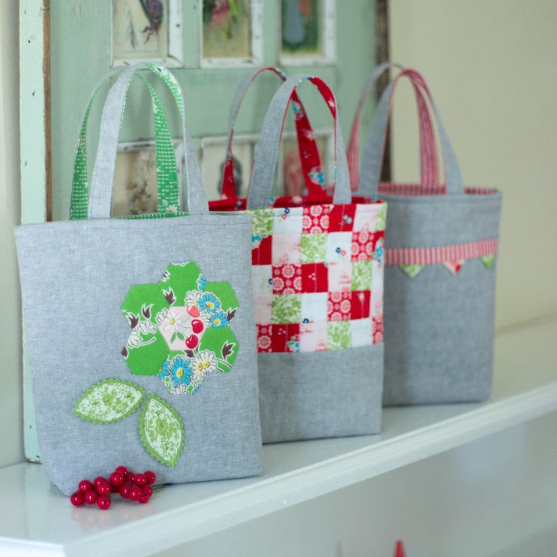 PDF Pattern  'Three Bags Full'  Linen Christmas Gift image 0