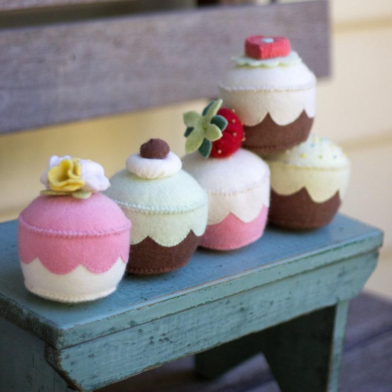 PDF Pattern  'My Little Cupcake'   Felt Cupcake image 0