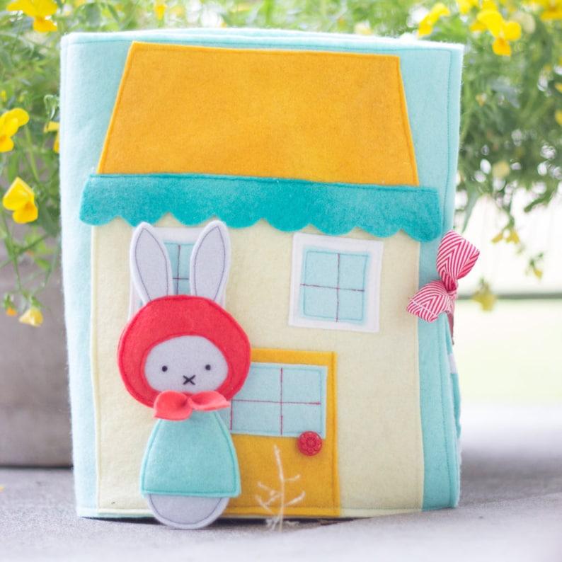 PDF Pattern  'Rabbit's Garden'  Felt Book / image 0
