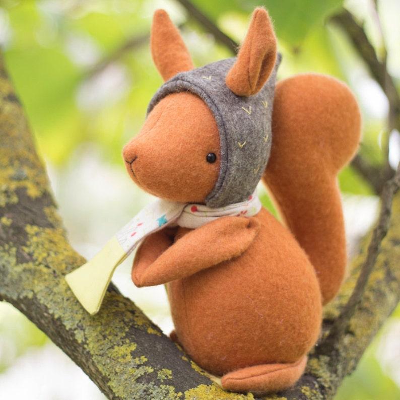 PDF Pattern  'Thrift'  Felt Squirrel Softie  image 0
