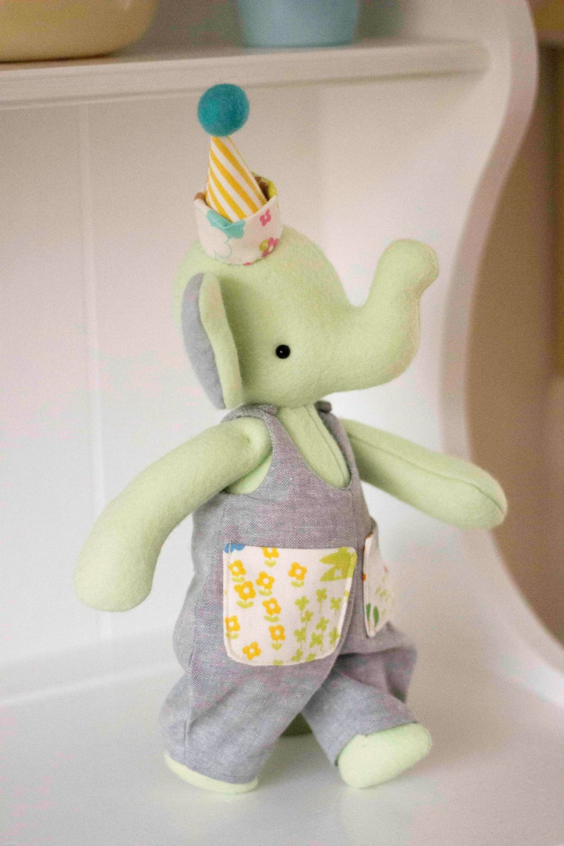 PDF Pattern  'Pockets'  Felt Elephant Softie with image 0