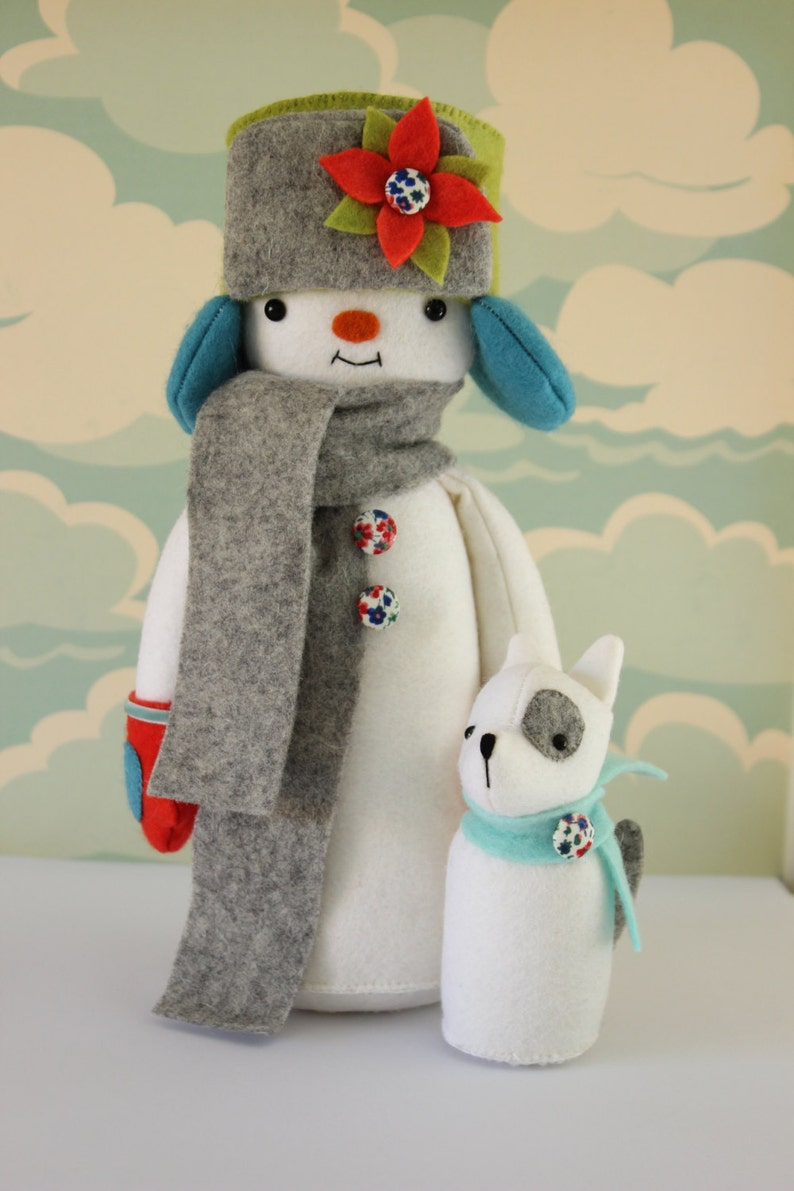 PDF Pattern  'Yuri and Sasha'  Felt Snowman Softie image 0