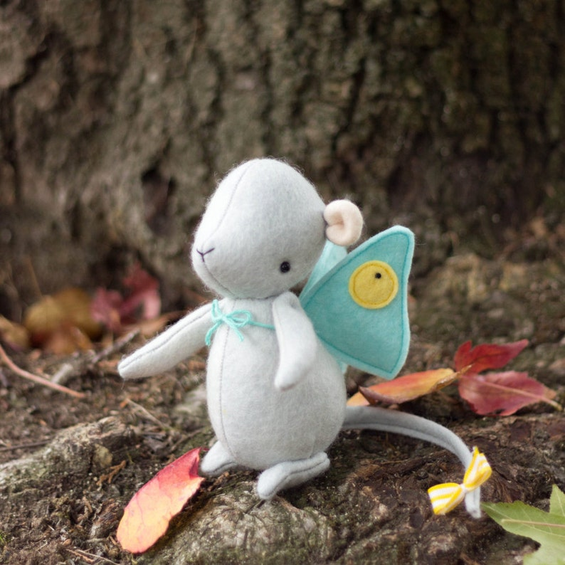 PDF Pattern  'Winifred'  Felt Mouse Softie with image 0