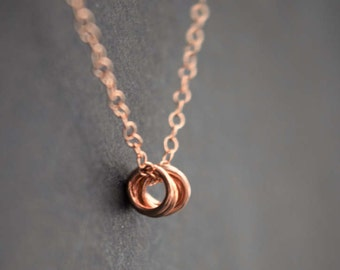 Ring rose gold necklace. Minimalist ring necklace. Five rings rose gold necklace. rose gold filled chain. pease. Pease jewelry