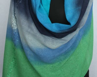 Large silk scarf in embroidered bourettezijde, 180 x 75 cm, handpainted in turquoise, dark blue, grey and apple Green (L-0310)