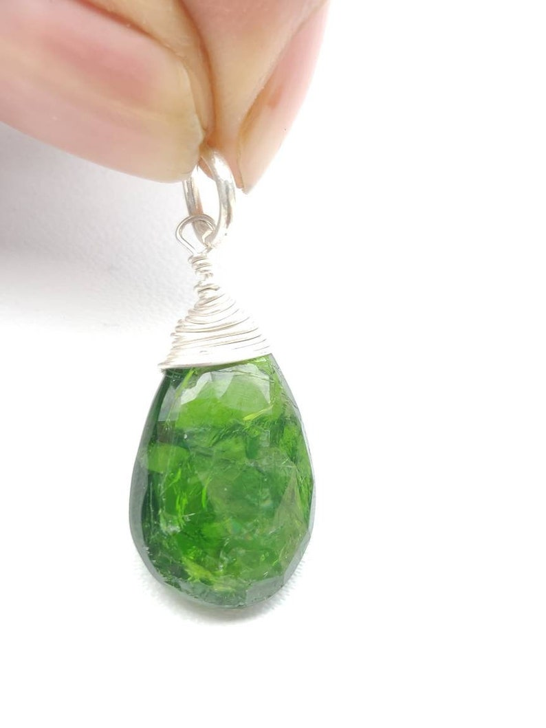 Chrome diopside 16*12mm pears facetted semiprecious stone wire wrapped in sterling silver pendant 92.5 purity,29mm length,handmade in india