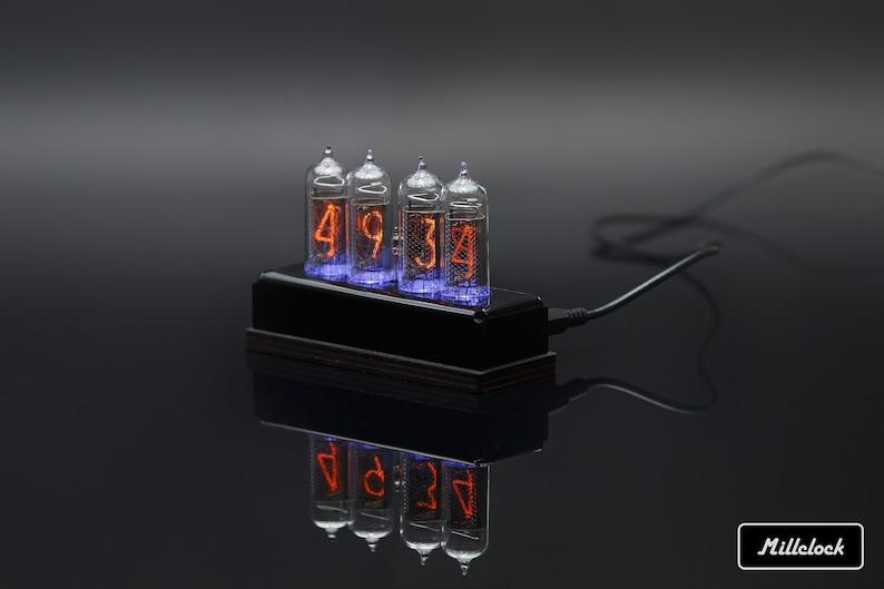 IN-14 Nixie tube Horloge assemblée avec endommagement noir acrylique et bois et adaptateur 4-tubes par MILLCLOCK