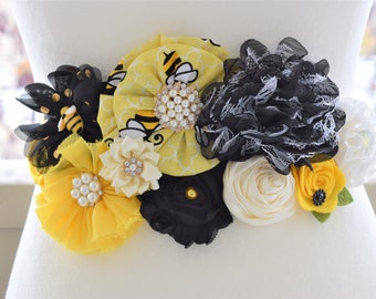 Black Yellow Flower Belly Sash, Bumble Bee Baby Shower, Gender Reveal Maternity Sash for Bee Theme, Black Yellow Shower, Custom Belly Sash