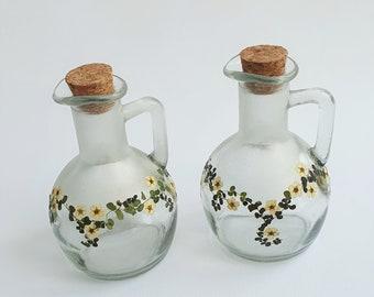 Oil & vinegar set decorated with pressed flowers, Home deco, Oil - Vinegar Bottles with corks, Kitchen Decoration, Glass Oil - Vinegar Set