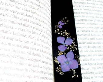 Leather bookmark with real pressed flowers, Book lover gift, Reader gift,Bookmark, Handmade leather bookmark,Gift for her,Unique gift