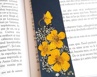 Leather Bookmark with Yellow Pressed Flowers, Book Lover Gift, Reader Gift, Bookmark, Handmade leather Bookmark,Mother's day Gift