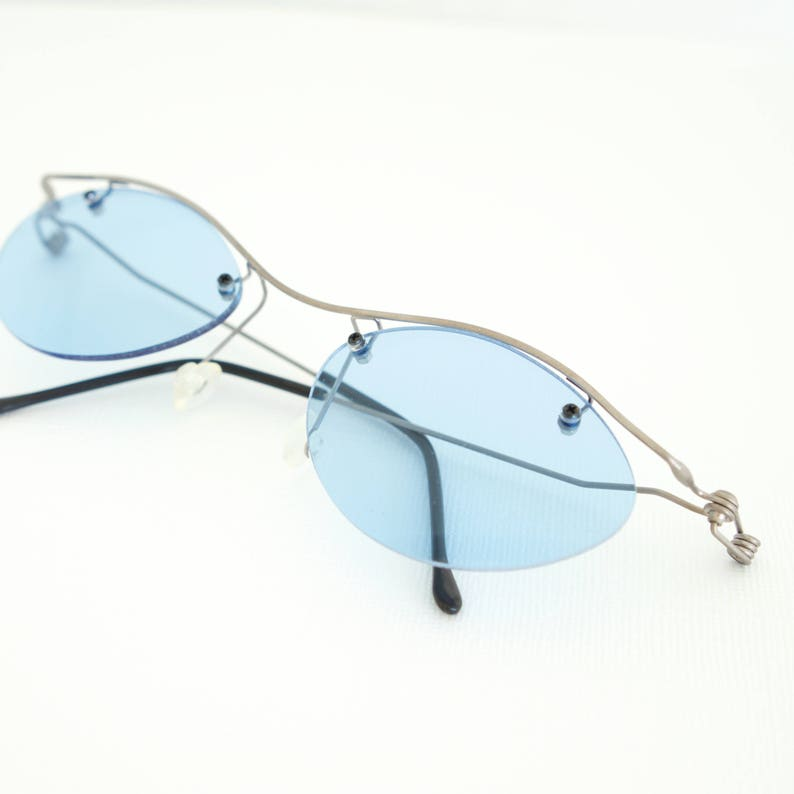 52bb99f2ccda Vintage Sunglasses Rimless Gunmetal Wire Frames Blue Lenses