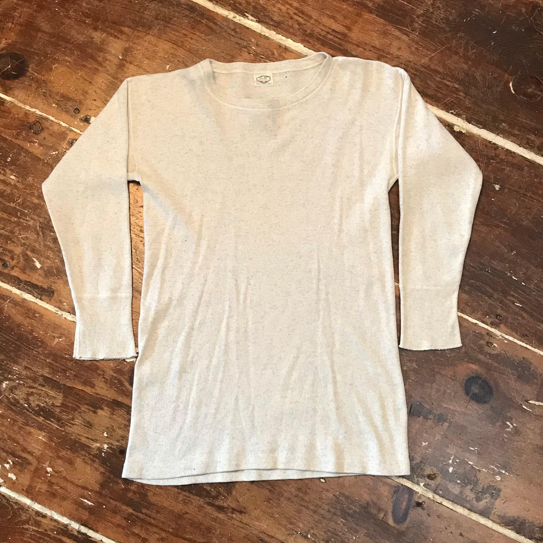 1940s Men's Shirts, Sweaters, Vests Vintage 40S Ew Thermal Work Shirt  Mens ML Wool-Cotton Ribbed Crewneck Undershirt $25.00 AT vintagedancer.com