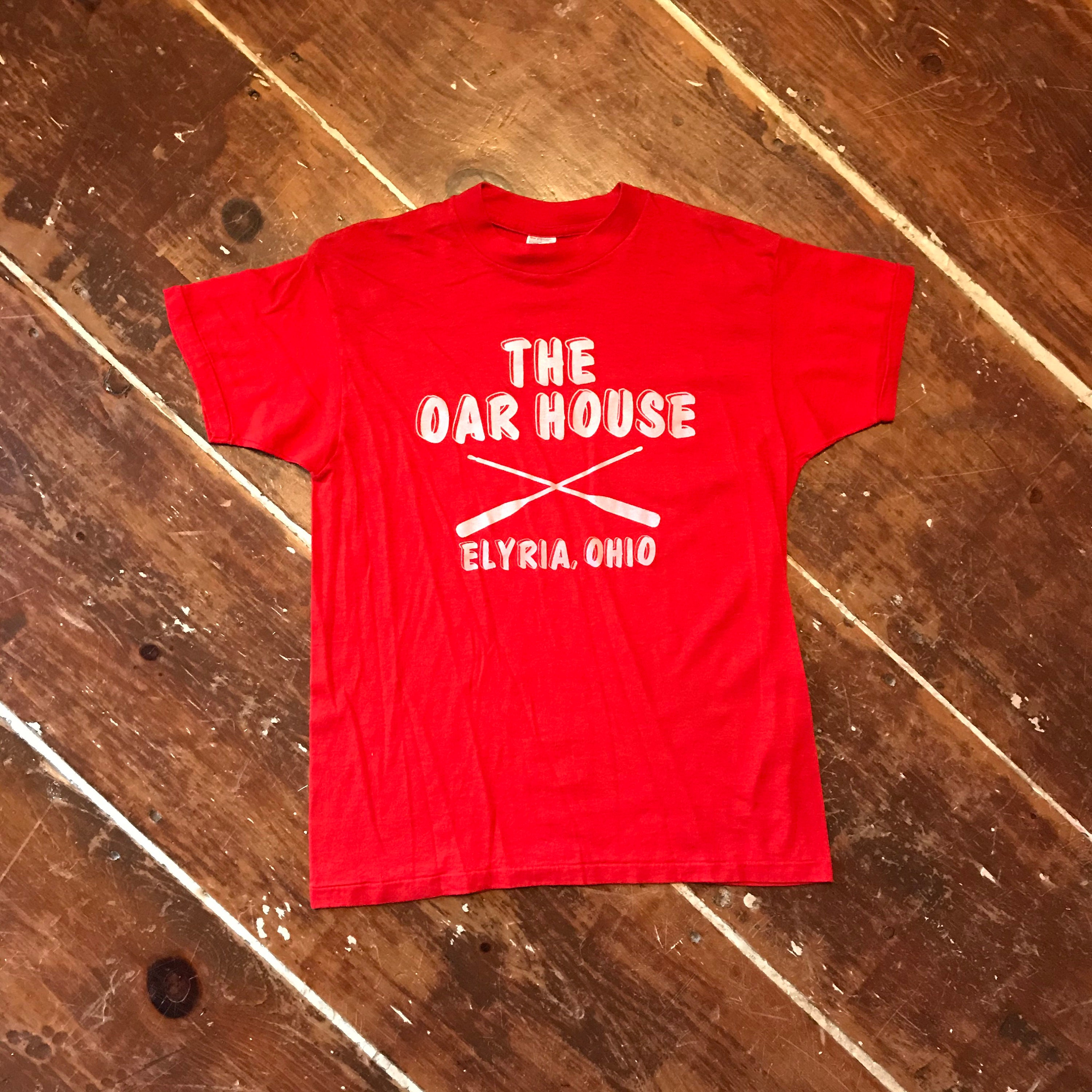 1970s Mens Shirt Styles – Vintage 70s Shirts for Guys Vintage 70S The Oar House Elyria Ohio T-Shirt  Mens ML Jc Penney 50-50 Red Crew $22.00 AT vintagedancer.com