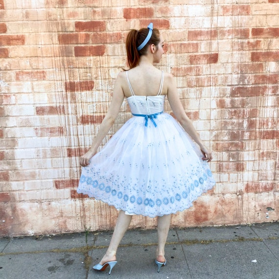 1950's White and Blue Prom Dress - image 5
