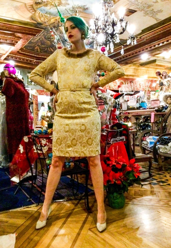1960's Fur Trimmed Cream and Gold Poppy Print Jacq