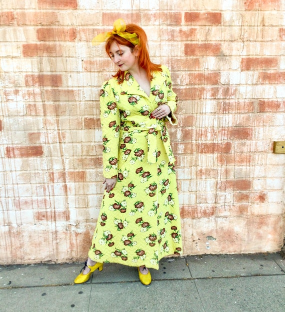 1940's Yellow Floral Quilted Bathrobe