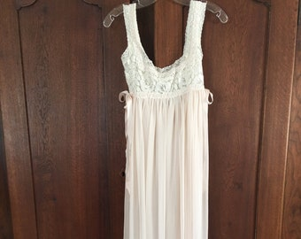 Vintage Nightgown Jonquil by Diane Samndi Pink Nightgown Sheer Small be2a5f2c5