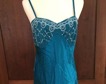 M /  Blue Vintage Nightgown / Medium