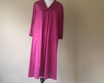 S   JC Penney Misses Cranberry Nylon House Coat Robe Lingerie   Small c188a443e
