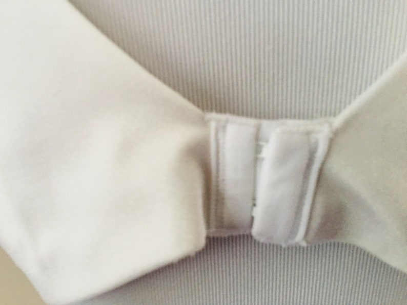 Bra 40B Warners White Soft Cup Padded Formed Nylon Spandex Blend Vintage Lingerie