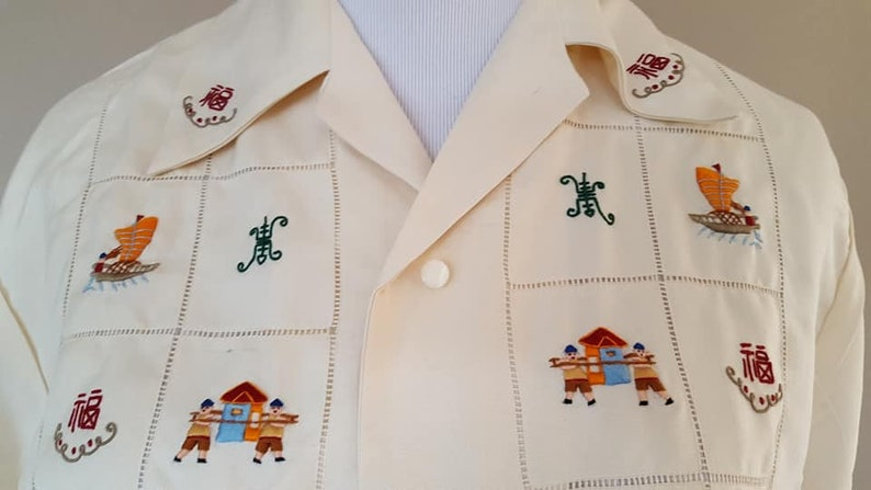 Blouse Size 36 1950/'s Linen Hand Embroidered with Cotton Threads Asian Themed Embroidering Short Sleeved Vintage Apparel