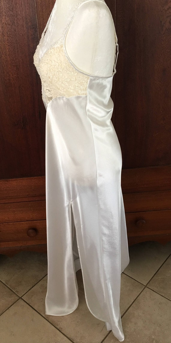 Icy Vintage Victoria's LABEL White Medium Long M Satin Secret GOLD Nightgown 1wqxYzO