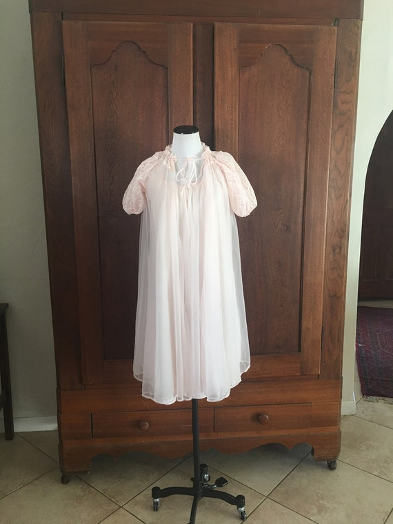 1950s Pink Peignoir Wear It Like Mrs. Maisel! Medi