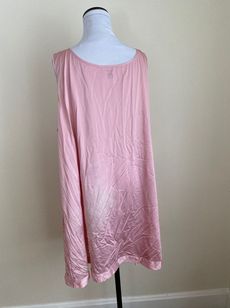 3X Vanity Fair Nightgown 26 pit to pit Pink...