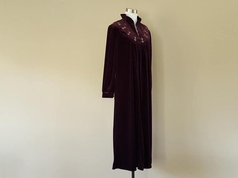 Robe Small Petite Jasmine Rose  Purple  Long  Velour  Velvety Old Stock With Tags Never Worn  Vintage Lingerie