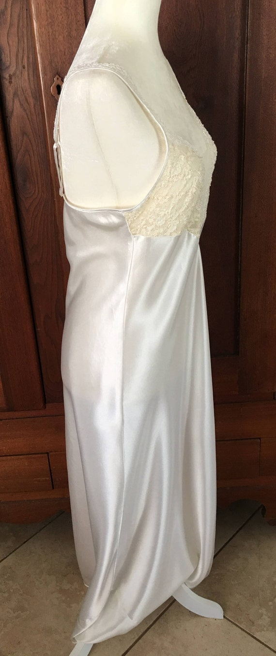 Medium White Secret Nightgown LABEL Victoria's M Icy Vintage GOLD Long Satin 4Op7vwq