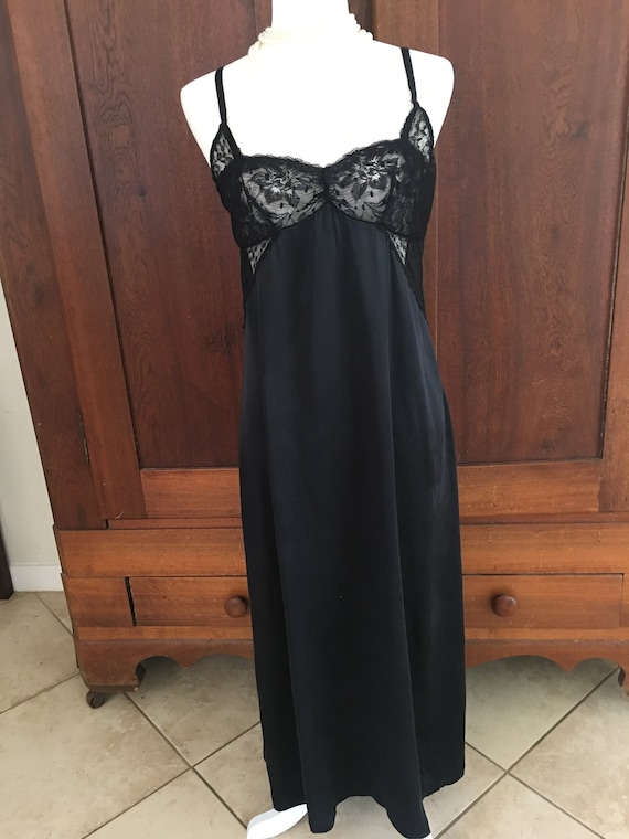 Nightgown SILK Medium Long Black...