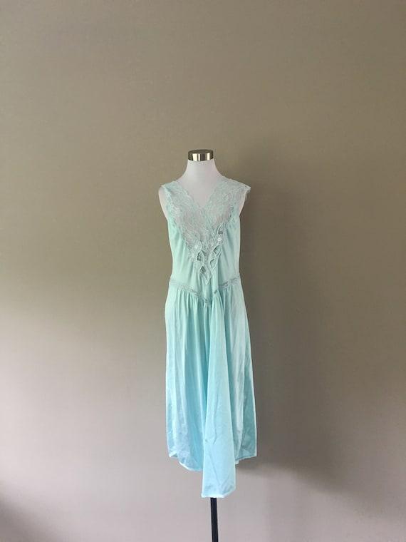 Medium Val Mode Nightgown Light Blue