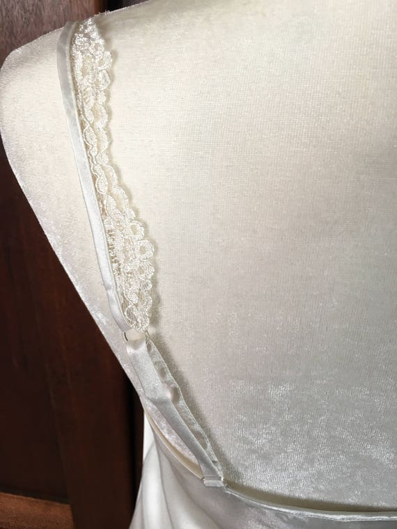 GOLD Secret Satin LABEL Long Victoria's M Medium Nightgown Vintage Icy White 5R1qEw