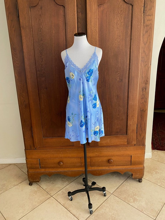 Chemise Small Blue Floral California Dynasty...
