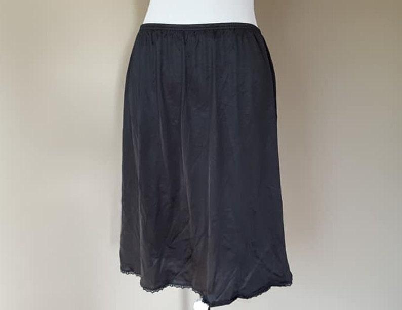 Half Slip Large Vanity Fair Black Nylon Side Kick Lace Trim Hem Vintage Lingerie