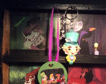 Disney's Alice in Wonderland Tea Party Wall/Display/Christmas Ornament with Mad Hatter Keychain