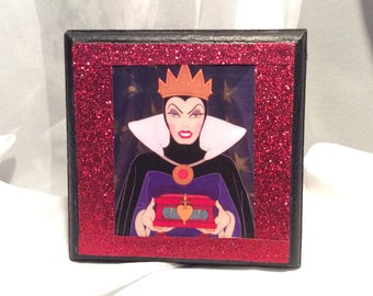 The Evil Queen Disney Villain from Snow White Small Red and Black Poison Apple Keepsake/Treasure/Jewelry Box with FREE GIFT