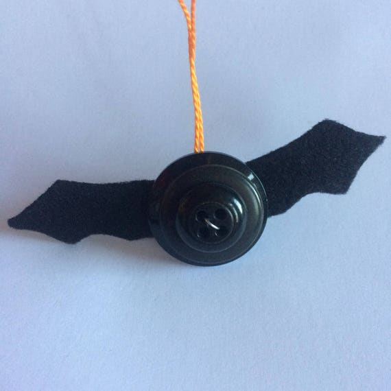 Pack of 3 Button Halloween Decorations bat, spider or pumpkin