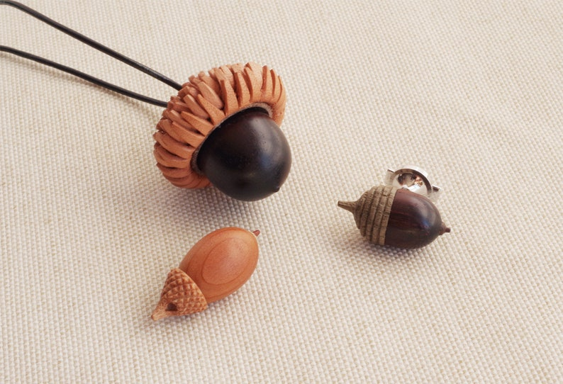 Tiny Sculptures of Acorns from Japan vol.2 image 0