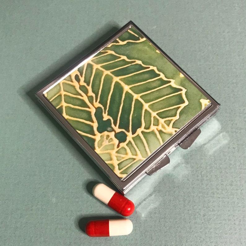 Gift for Grandpa Grandma Large Pill Container for Handbag Green Leaf Pocket Pill Box