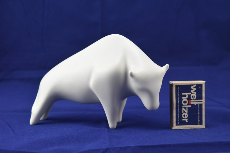 Sgrafo modern bull porcelain figurine sculpture porcelain figurine Porcelain Bull Design Peter M\u00fcller MCM op art